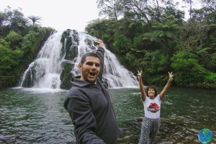 ¡Vimos nuestra primera cascada en Karangahake Gorge!