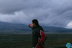 Miguel está señalando el Ruapehu, montaña donde viviríamos por tres meses en un futuro próximo.