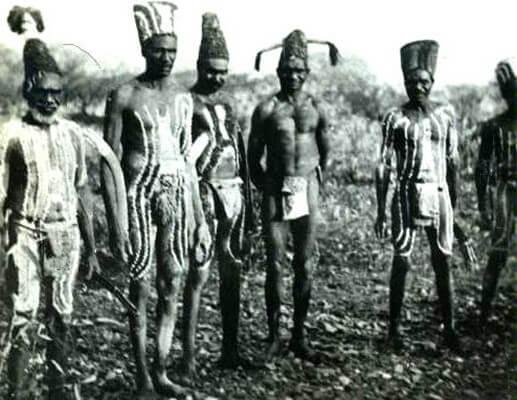 ABORIGINAL-MEN-IN-BODY-PAINT-1940S